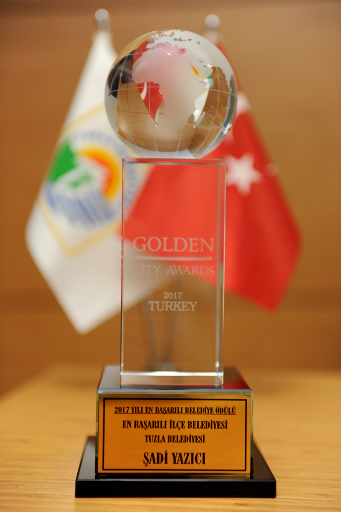 Tuzla Belediyesi, Türkiye'nin En Başarılı İlçe Belediyesi Seçildi
