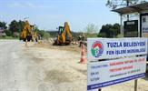Tuzla Belediyesi, Tuzla köprüsü ile Tuzla Marina ve sahil ulaşımının ana aksını oluşturan Şehitler Caddesi'nde yol genişletme çalışmasına başladı.