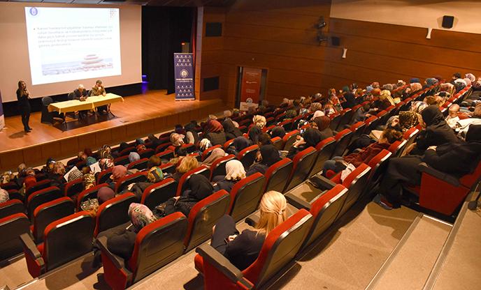Tuzla Belediyesi, Kanserle Mücadele Eğitim Semineri Düzenledi