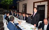 """Tuzla Belediye Başkanı Dr. Şadi Yazıcı, Orhanlı Mahallesi sokak iftarında planlama müjdesi verdi. Başkan Yazıcı, """"Akfırat, Tepeören ve Orhanlı'yı kapsayan bu bölgenin en büyük sorunu planlardı. Yeni planlarla beraber bölgemizin nasıl geliştiğini hep beraber göreceğiz"""" dedi."""