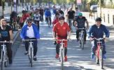 Tuzla'da cumhuriyetimizin kuruluşunun 95. yıl dönümü kutlamaları kapsamında düzenlenen 1. Tuzla Bisiklet Turu renkli görüntülere sahne oldu. Etkinlikte Tuzla Kaymakamı Ali Akça ve Tuzla Belediye Başkanı Dr. Şadi Yazıcı da öğrenciler ve vatandaşlarla birlikte pedal çevirdi.