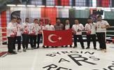 Lisanslı sporcuların bulunduğu ulusal ve uluslararası organizasyonlarda önemli başarılar elde ederek Tuzla'nın adını dünyaya duyuran Tuzla Belediyesi Spor Kulübü sporcuları başarılarına bir yenisini daha ekledi.