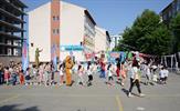 """Tuzla Belediyesi, 2018-2019 Eğitim-Öğretim yılının sonunda tatile giren öğrenciler için 4 bölgede """"Karne Şenliği"""" düzenliyor. Eğlenceli aktiviteler içeren şenliğe öğrenciler yoğun ilgi gösteriyor."""