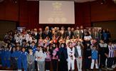 """Tuzla Kaymakamlığı, Tuzla Belediyesi, Tuzla İlçe Milli Eğitim Müdürlüğü işbirliği ile düzenlenen """"6. Geleneksel Tuzla'nın Yıldızlarına Altın Yağmuru""""nda 144 başarılı öğrenci, derecelerine göre tam, yarım ve çeyrek altınla ödüllendirildi."""
