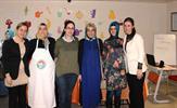 Tuzla Belediyesi Orhanlı Bilgi Evi anneleri, mutfak hünerlerini yemek yapma yarışmasında ortaya koydu.