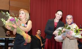 Tuzla Belediyesi, 8 Mart Dünya Kadınlar Günü kapsamında Zeynep Dizdar konseri düzenledi.