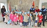 Tuzla Belediyesi Bilgi Evleri, Türk Polis Teşkilatı'nın 170. kuruluş yıldönümü nedeniyle Tuzla İlçe Emniyet Müdürlüğü'ne kutlama ziyareti gerçekleştirdi.