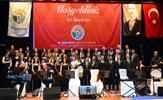 Tuzla Belediyesi, yine muhteşem bir geceye ev sahipliği yaptı. Tuzla Belediyesi Türk Halk Müziği Korosu'nun sezon açılış konseri İdris Güllüce Kültür Merkezi'nde gerçekleştirildi.