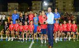 Tuzla Belediyesi ve Tuzlaspor Kulübü işbirliğiyle düzenlenen Elit Cup Futbol Turnuvası'nda 22 takımın 440 minik sporcusu ter döktü. 11, 12 ve 13 yaş grubu futbolcular, yetenekleriyle göz doldurdu.