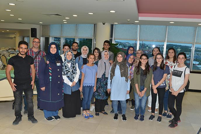 """Üniversiteyi Kazanan """"Bizim Çocuklarımız"""", Tuzla Belediyesi Gönül Elleri Çarşısı"""