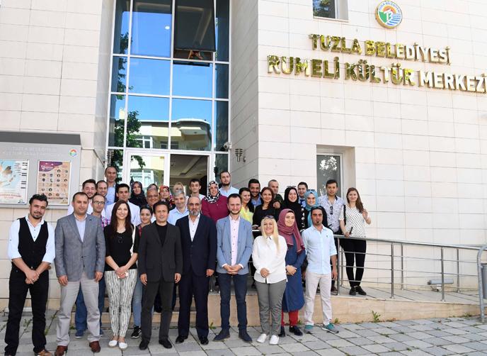 Tuzla Belediyesi ve Tuzla Halk Eğitimi Merkezi, Temel Eğitimde Çekilen Fotoğrafları Sergiledi