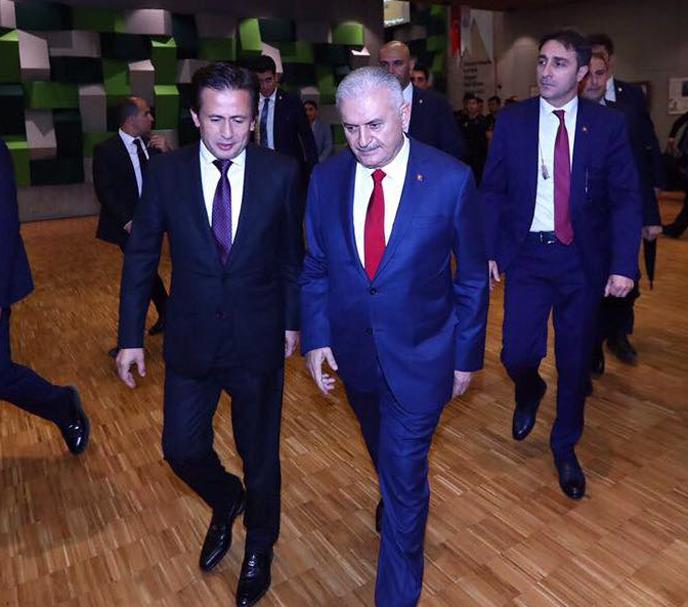 Başbakan Yıldırım, Tuzla'da Fahri Doktora Tevdi Töreni'ne Katıldı
