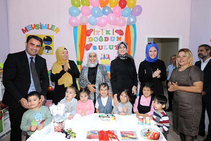Dr. Fatma Yazıcı, Tuzla Belediyesi Anne Çocuk Eğitim Merkezi'ni Ziyaret Etti