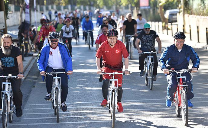 Tuzla'da Pedallar Cumhuriyet İçin Çevrildi