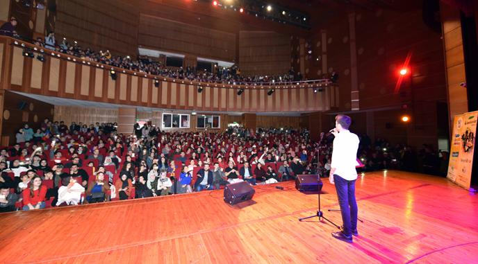 """Tuzla Belediyesi Gençlik Merkezi, """"İz Bırakanlar""""da Nostalji Yaşattı"""