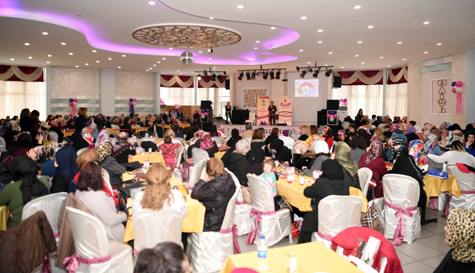 Tuzla Belediyesi, 8 Mart Dünya Kadınlar Günü Özel Programı Düzenledi