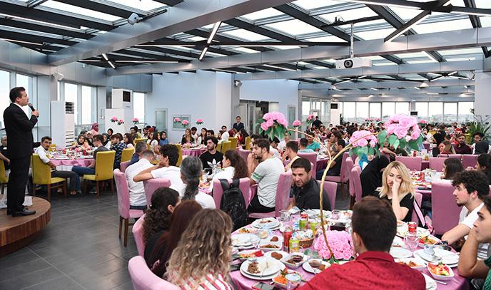 Tuzla Belediyesi Gençlik Merkezi'nin 667 Kursiyeri Üniversiteli Oldu