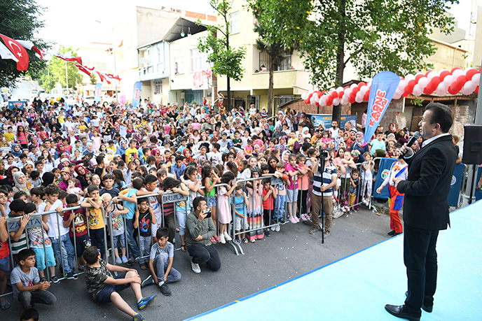 Başkan Yazıcı, Tuzla Belediyesi Karne Şenliği'nde Çocuklarla Buluştu