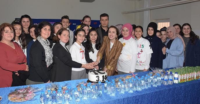 Tuzla Belediyesi Gönül Elleri Çarşısı'ndan Pi Günü Kutlaması
