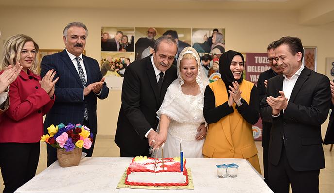 Tuzla Belediyesi Yaşlılar Merkezi, 2 Program ve 1 Düğünü Bir Arada Yaşadı