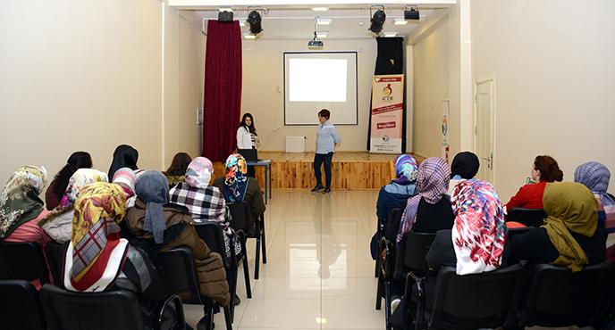 """Tuzla Belediyesi Anne Çocuk Eğitim Merkezi'nde """"Gebelik Bilgilendirme Sınıfı"""" Düzenleniyor"""