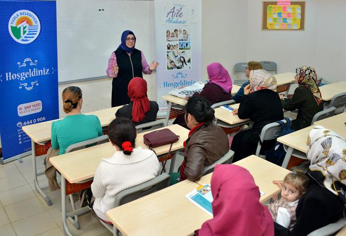 Tuzla Belediyesi Aile Akademisi Ders Başı Yaptı