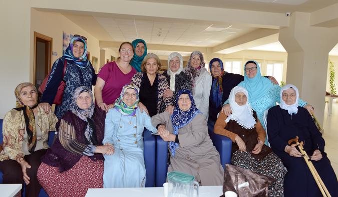 Tuzla Belediyesi Gönül Elleri Çarşısı'ndan Büyüklerimize Bayram Ziyareti